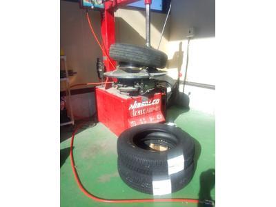 タイヤ交換お任せ下さい!